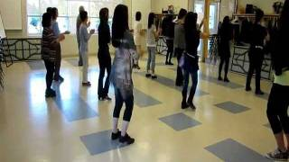 Hip On The Floor - line dance (dance & walk through)
