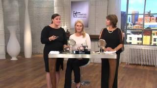 It Cosmetics Hello Light Illuminating Powder with Radiance Brush with Jill Bauer