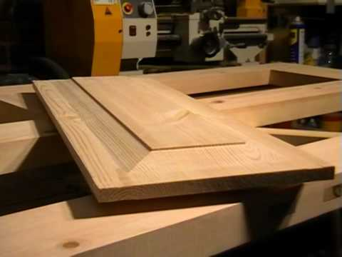 DIY 4 Panel wooden Door, part 4.  raised panel cutting with a straight router