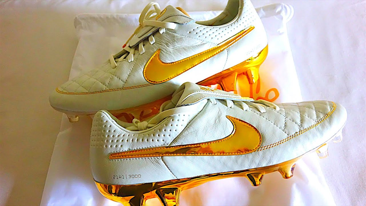 NEW 2015 Ronaldinho10 Nike Tiempo Legend V ''Touch Of Gold'' Remastered  Unboxing by iFootballHD - YouTube