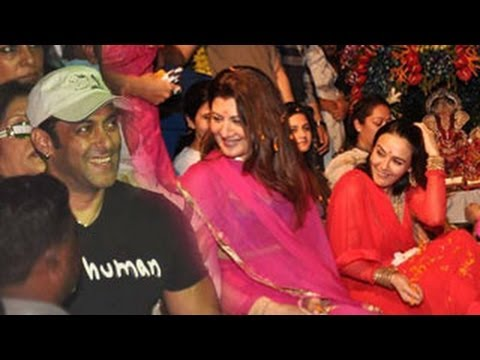 Salman Khan bids goodbye to Ganpati on Ganpati Visarjan