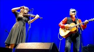 Theresa Andersson & Tommy Emmanuel - Borderline
