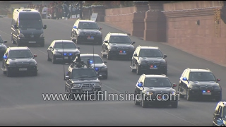 Gambar cover BMW Mercedes convoy of PM Narendra Modi at Vijay Chowk