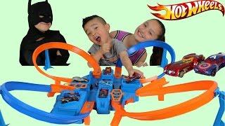 Mattel Hot Wheels Criss Cross Crash Boosted Trackset Unboxing Playing Superhero Race Battle Ckn Toys