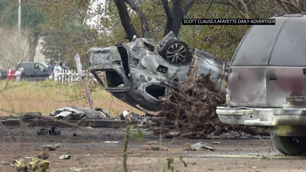 Small plane crashes in Louisiana, five dead