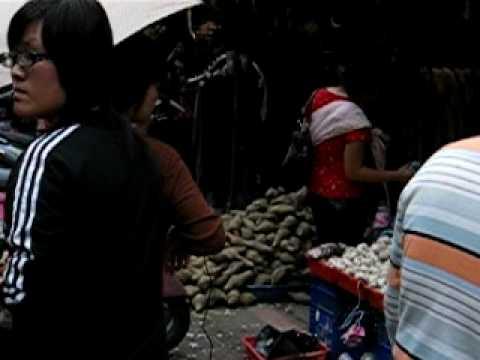 Sanshia Market on a lazy Sunday