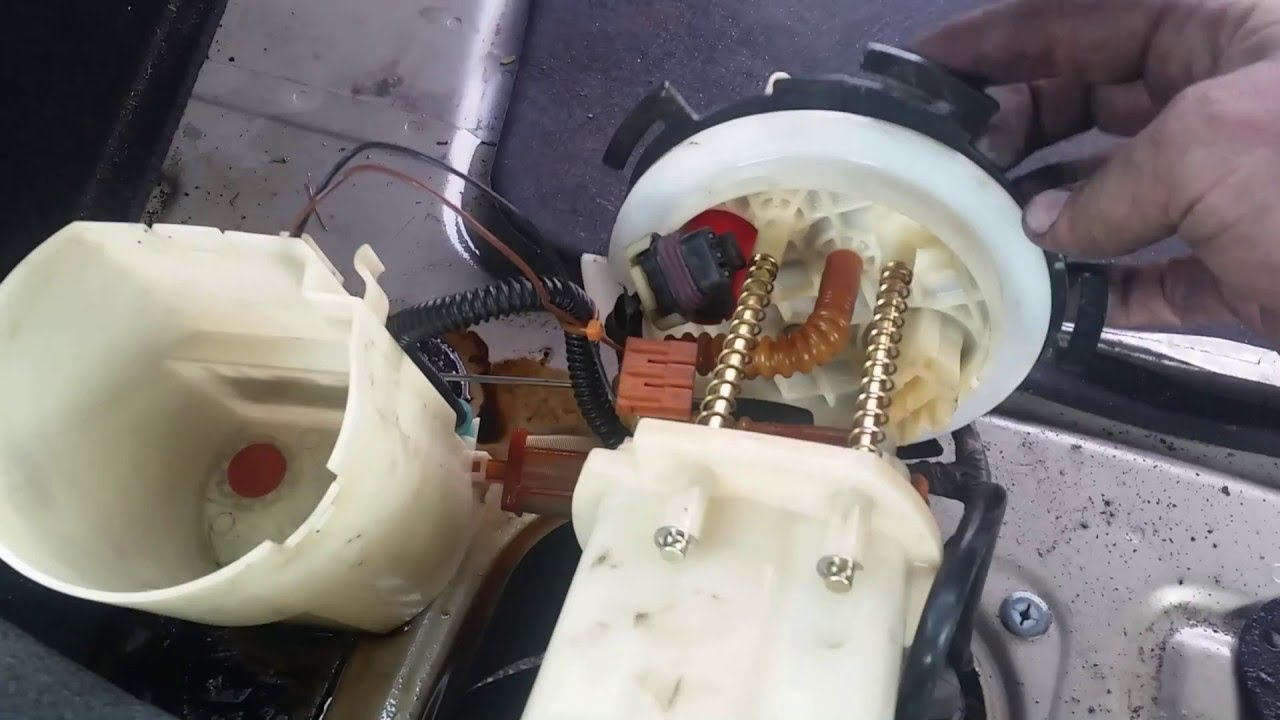 Fuel Pump 0409 Hyundai Sonata Remove Replace Install