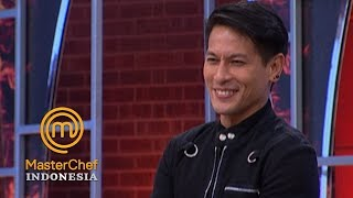 Gambar cover MASTERCHEF INDONESIA - Aduh Gemes Banget Liat Tingkah Chef Juna | Best Moment | 19 Mei 2019