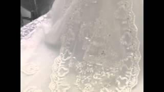 Платье с шикарным шлейфом и камнями