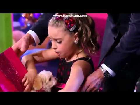 Mackenzie Ziegler Gets A Puppy For Christmas! *jealousy* LOL