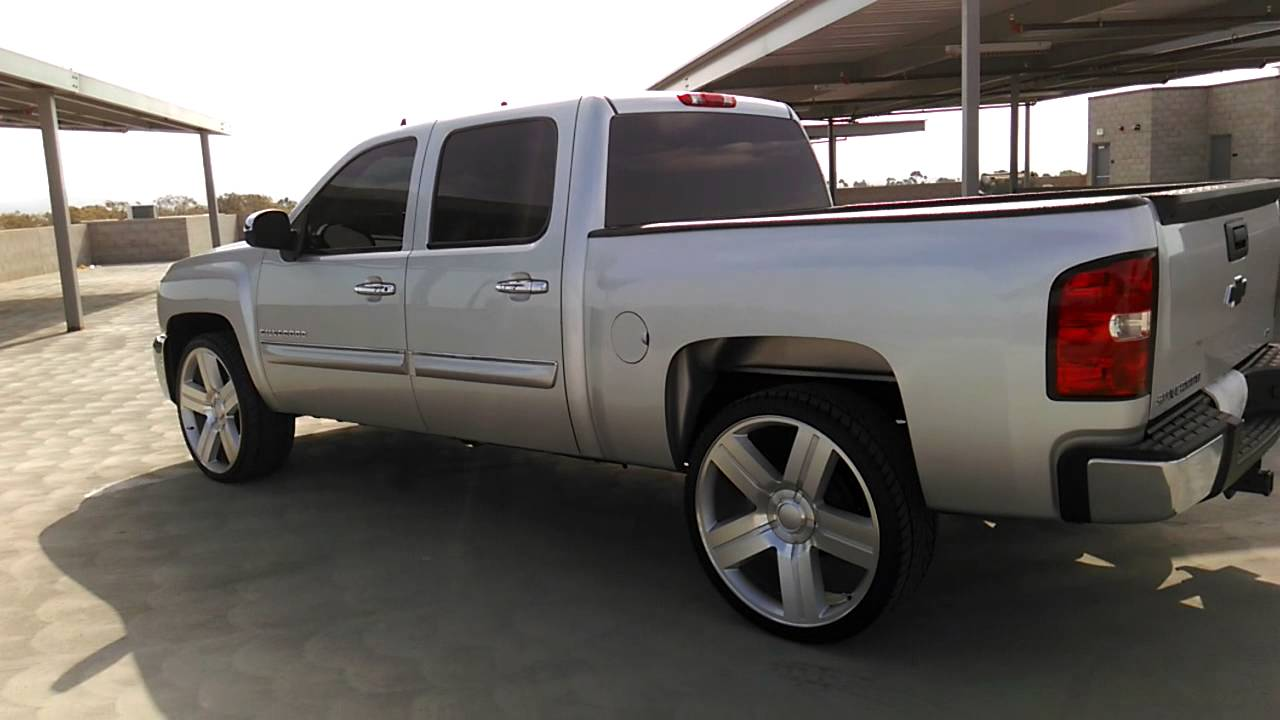 Silverado on 26s - YouTube