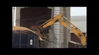 How to take a silo Down Silo Demolition with JOHN DEERE 200C LC HYDRAULIC EXCAVATOR Farming