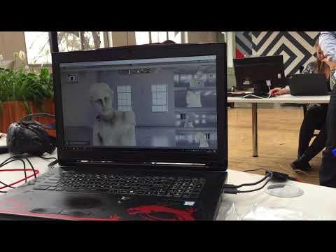 Monitor zobrazuje, které části virtuálního modelu sochy Venuše si právě Rachel Skleničková prohlíží