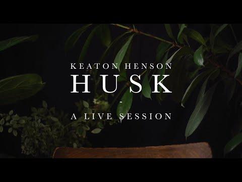 Смотреть клип Keaton Henson - Husk