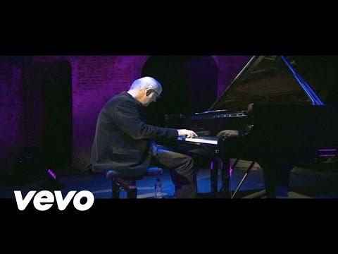Ludovico Einaudi - Earth Prelude