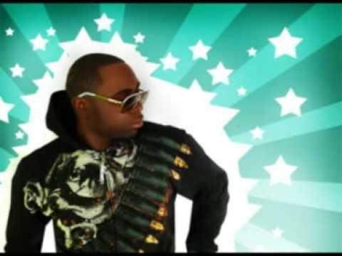 Izza Kizza Feat. Missy Elliott- Walk The Dawg