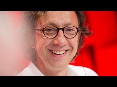 Joeystarr est l'invité de Stéphane Bern dans A La Bonne Heure
