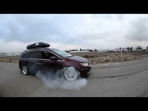 1000 hp bisimoto honda odyssey van burnout video funnycat tv for 1000hp honda odyssey