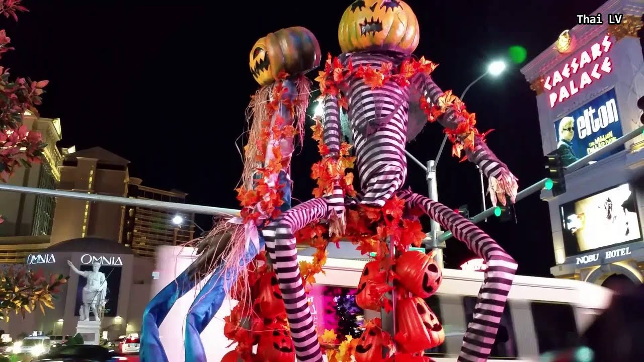 Walking the Las Vegas Strip : Before Halloween Night 2015 - YouTube