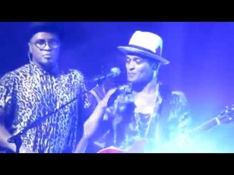 Bruno Mars and Phillip Lawrence - The Lazy Song