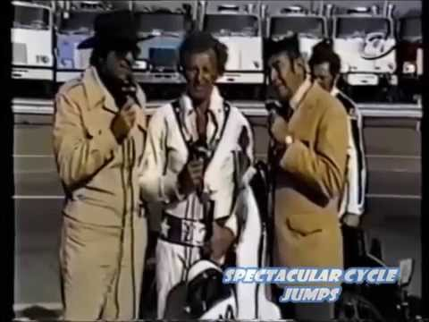 Evel Knievel, Don Meredith and Howard Cosell a rare comedy moment  before a jump