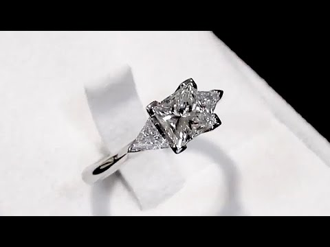 1.87 ct Diamond and Platinum Trilogy Ring - Contemporary 2015 - AC Silver (A2847)