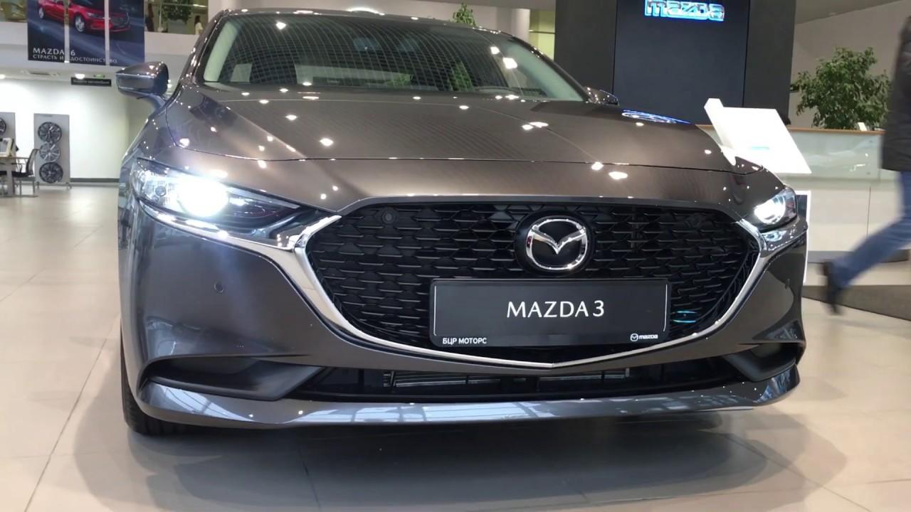 Новая Mazda 3 в кузове седан.