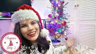 Room Tour (Christmas Edition) and Decorating My Tree | Vlogmas Day Five | Jenny E