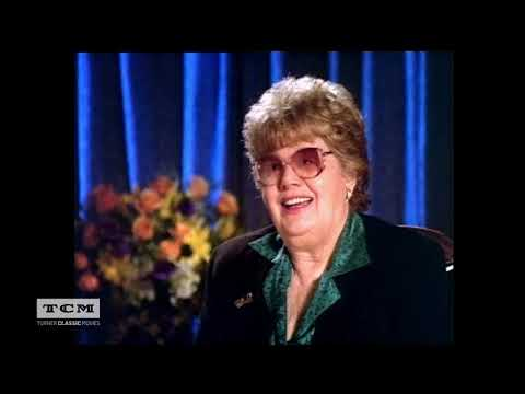 Shelley Winters – From Bombshell to Broadway and Back