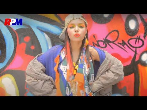Dewi Sandra - Yang Penting Asik (Official Music Video)
