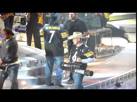 Happy Birthday Garth Brooks! With Steelers