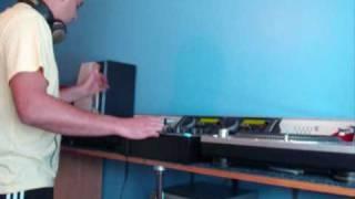 Dj Reflex Scratching To Sy & Unknown Techno Harmony.wmv