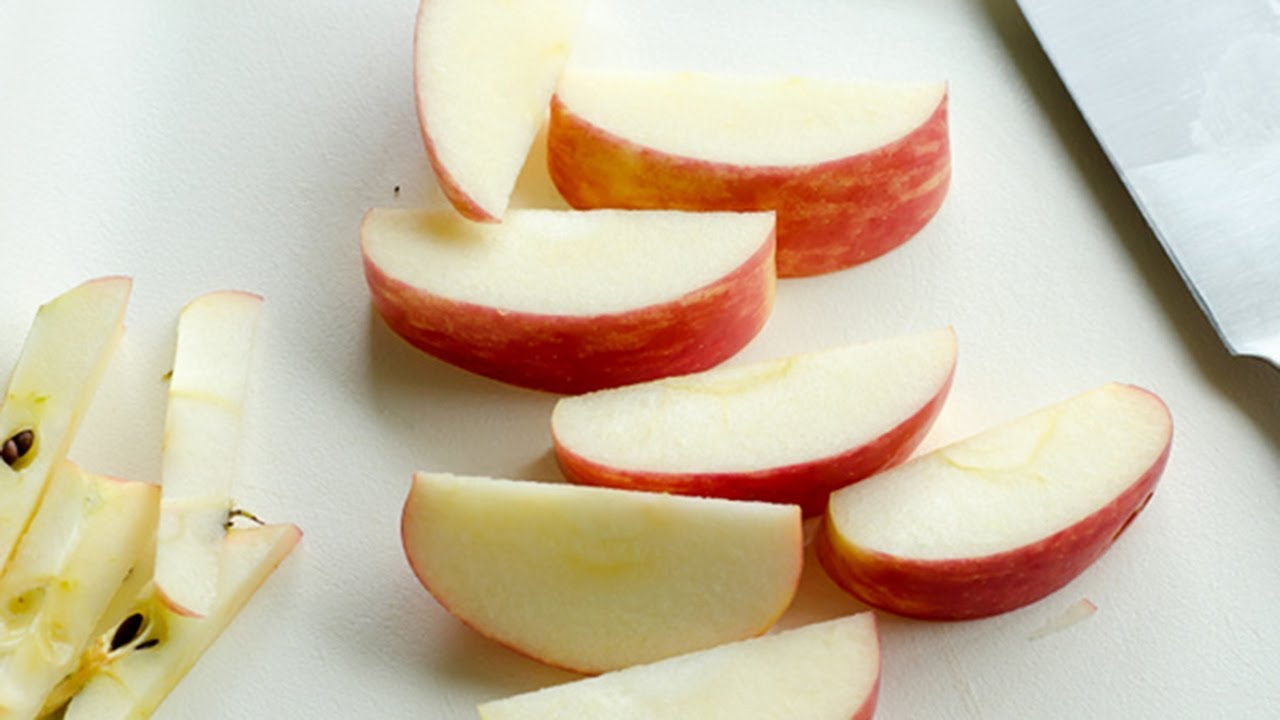 How to Keep Apples from Turning Brown in the Lunchbox +  Homemade Apple Cups