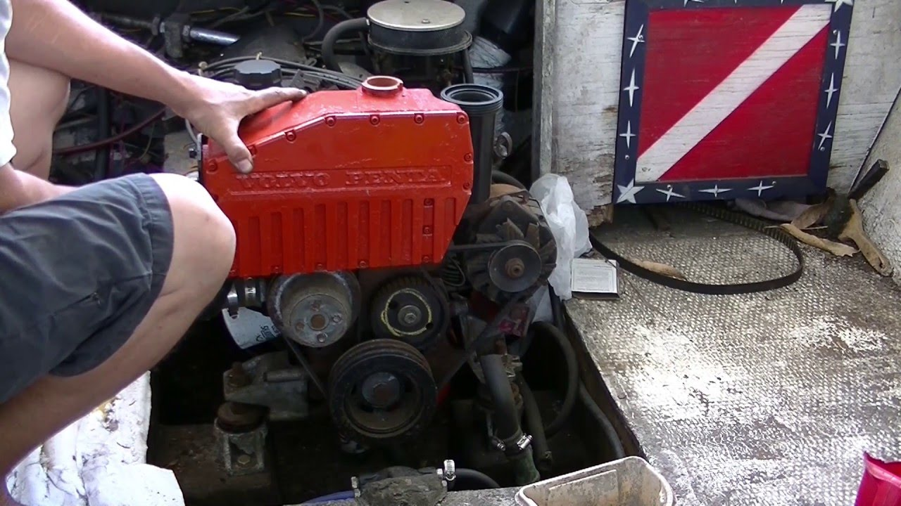 how to remove a Volvo Penta, coolant reservoir,,..tanque ...