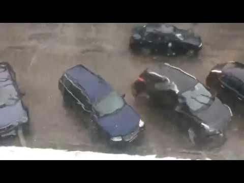 Наломал дров: в Кирове бушевал ураганчик