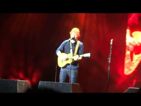 Ed Sheeran - I See Fire live Sydney Qantas Credit Union Arena 24/03/15