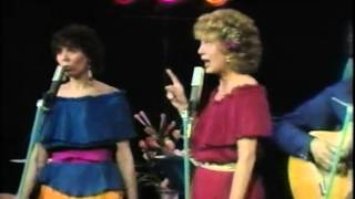 Sharon, Lois & Bram - Three Little Fishies