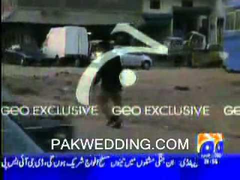Pakistani Police Man caught on cam Geo News - Pakistani Scandals.flv