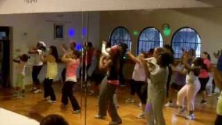 "Zumba with Thomasa - Tina Turner ""Rolling on the River"""