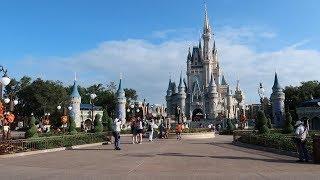 What Disney's Magic Kingdom Is Like Before A Hurricane! | Storm Prep, Crowd Levels & Ride Wait Times