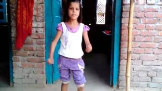 Cute girl dancing on bhojpuri song !!Amazing!!