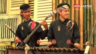 Video Lagu lagu Daerah Bersama Angklung Saung Udjo download MP3, 3GP, MP4, WEBM, AVI, FLV Juli 2018