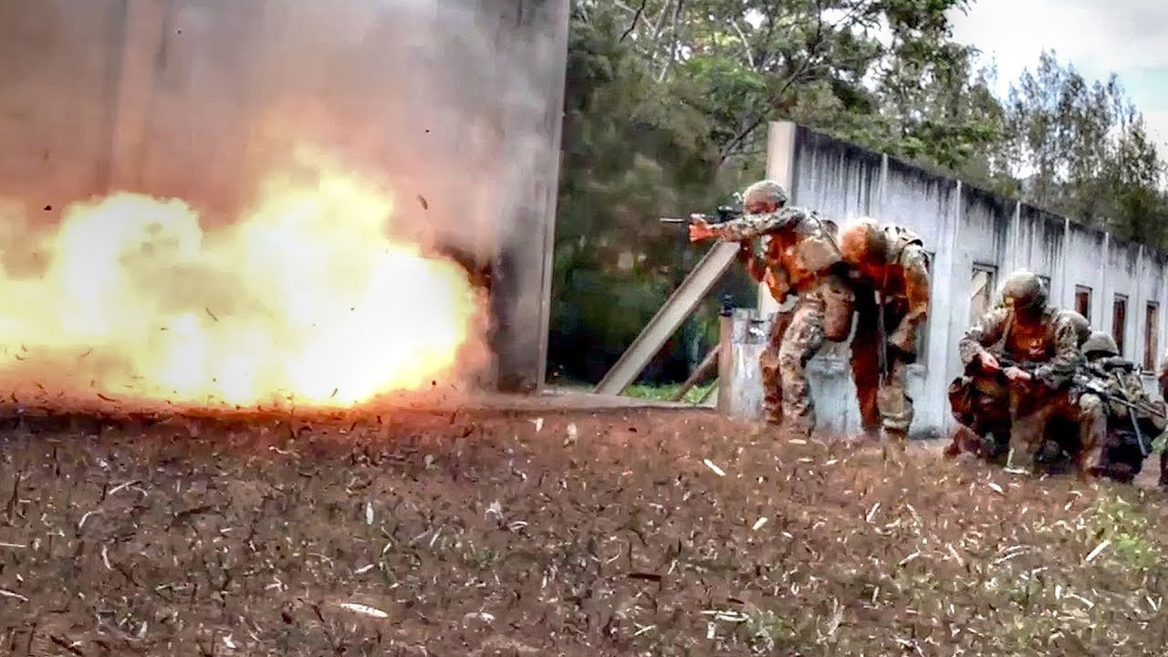 U.S Military • Combat Engineers • Explosive Door Breaching