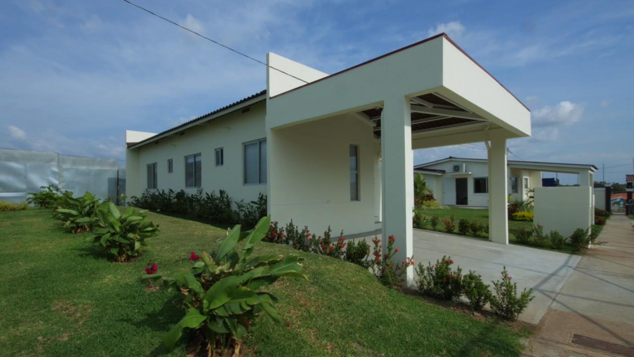 Quintas de valle bonito doovi for Casa moderna minimalista 6 00 m x 12 50 m 220 m2