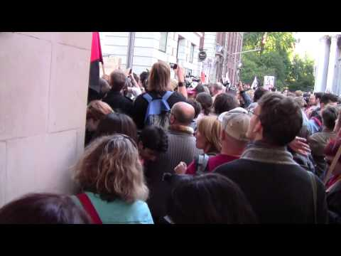 (Day One) People attempt to enter Paternoster Square Peacefully - Oct 15
