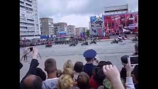 Парад победы в Луганске. 9 мая 2015.(На нашем канале вы сможете увидеть мега крутые приколы! Самые смешные и шокирующие видео собраны именно..., 2015-05-09T10:02:52.000Z)