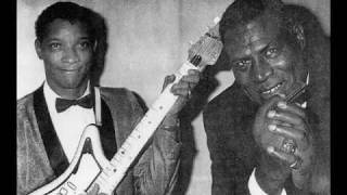 Watch Howlin Wolf Tell Me video