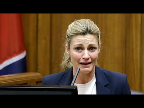 Erin Andrews Says ESPN Forced Her To Relive Peephole Video