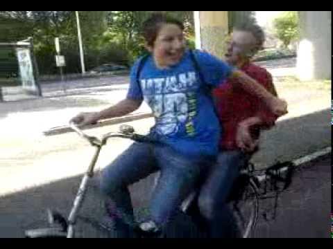 Baby Yorick en Papa Jordi op de fiets!