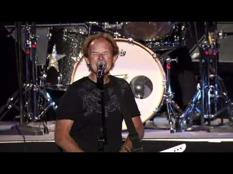 YouTube - 'Love Is Alive' Live' w- Gary Wright & Ringo Starr and His All starr Band.flv